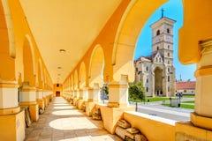 阿尔巴尤利亚,罗马尼亚圣迈克尔大教堂  库存图片