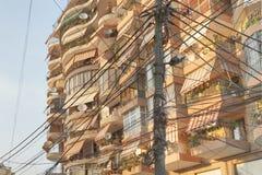 阿尔巴尼亚,地拉纳,被卷入的电信导线 免版税图库摄影