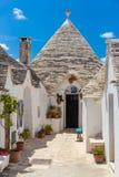 阿尔贝罗贝洛,普利亚地区,南意大利美丽的镇有trulli房子的 免版税库存照片