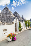 阿尔贝罗贝洛Trulli房子在普利亚在意大利 免版税库存照片