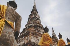 阿尤特拉利夫雷斯寺庙复合体在有坐的菩萨雕象泰国 免版税库存照片