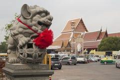 阿尤特拉利夫雷斯,泰国Wat Phananchoeng石头狮子页 免版税库存图片