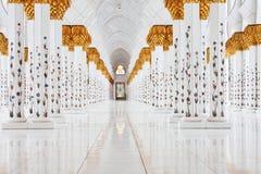 阿布扎比内部清真寺回教族长zayed 库存照片
