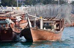 阿布扎比单桅三角帆船 库存照片