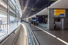 阿布扎比国际机场的内部 库存照片