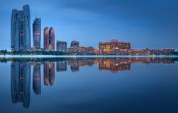 阿布扎比地平线看法在日出,阿拉伯联合酋长国的 免版税库存照片