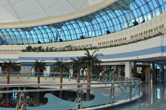 阿布扎比小游艇船坞购物中心在阿拉伯联合酋长国 库存照片