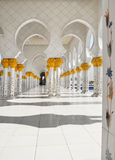阿布扎比清真寺阿拉伯联合酋长国回&# 免版税库存图片