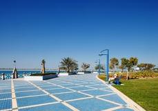 阿布扎比的Corniche散步 库存图片