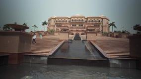 阿布扎比股票英尺长度录影的总统旅馆酋长管辖区宫殿 股票录像