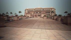 阿布扎比股票英尺长度录影的总统旅馆酋长管辖区宫殿 影视素材