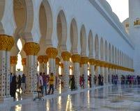 阿布扎比,阿拉伯联合酋长国的盛大清真寺 免版税库存图片