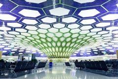 阿布扎比,阿拉伯联合酋长国- 11月26日:2012年11月26日的阿布扎比国际机场 免版税库存照片