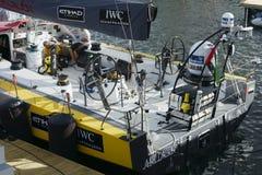 阿布扎比` s在开普敦拥有小船阿扎姆 免版税库存图片