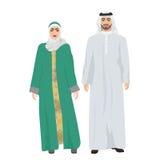 阿拉伯人男性和妇女女性在传统全国衣裳一起穿戴服装 免版税库存照片