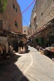 阿拉伯人Souk街在老城希布伦 图库摄影