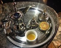 阿拉伯咖啡和日期 免版税库存图片