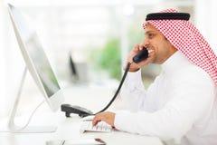阿拉伯商人电话 免版税库存照片