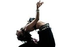 阿拉伯妇女肚皮舞表演者跳舞 免版税库存照片