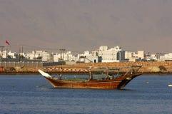 阿拉伯小船捕鱼 库存图片