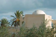 阿拉伯样式的白色房子在杰尔巴岛 库存照片