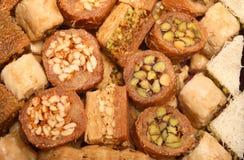 阿拉伯甜点传统盘 免版税库存图片