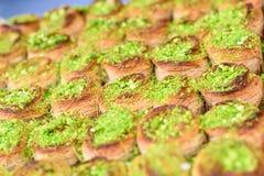 阿拉伯甜点在市场上 免版税图库摄影