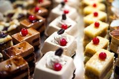阿拉伯甜点大板材  图库摄影