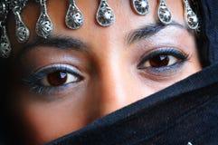 阿拉伯美丽的妇女 库存照片