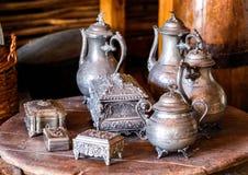 阿拉伯老金属器物 库存照片
