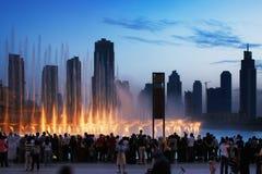 阿拉伯联合酋长国最著名的吸引力是迪拜喷泉 图库摄影