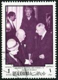阿拉伯联合酋长国- 1970年:展示温斯顿伦纳德Spencer丘吉尔先生1874-1965和夏尔・戴高乐1890-1970 免版税图库摄影