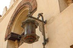 阿拉伯街道灯笼在市开罗在埃及 免版税库存照片