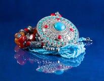 阿拉伯装饰手工制造在蓝色 库存图片