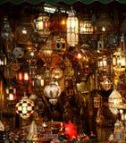 阿拉伯闪亮指示灯笼 免版税库存照片