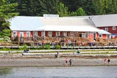 阿拉斯加冰冷的海峡点户外厨房餐馆 免版税库存照片