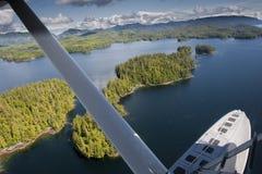 阿拉斯加威尔士亲王海岛鸟瞰图 免版税图库摄影