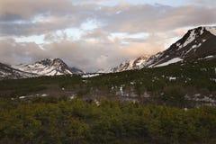 阿拉斯加定住平顶高涨的山日落 库存图片