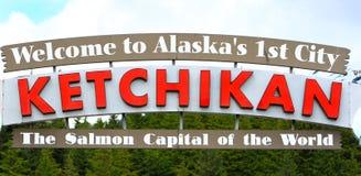 阿拉斯加欢迎到Ketchikan标志 库存照片