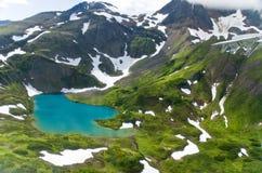 阿拉斯加湖山 库存照片