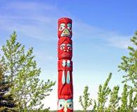 阿拉斯加的当地人标识杆  免版税库存图片