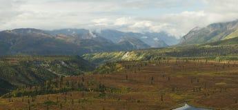 阿拉斯加的秋天全景 免版税库存照片
