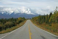 阿拉斯加的高速公路 免版税库存照片