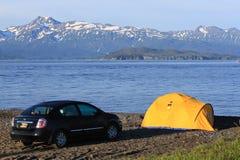 阿拉斯加-荷马唾液海滩帐篷野营 免版税库存图片
