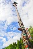 阿拉斯加Ketchikan 55英尺高特里吉特人标识杆 免版税库存图片