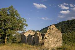 阿拉贡离开的村庄,比利牛斯山的,韦斯卡省,西班牙 库存图片