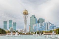 阿斯塔纳,哈萨克斯坦- 2016年9月3日:Baiterek -中央a 免版税图库摄影