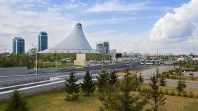 阿斯塔纳buil城市时钟家塔 卡扎克斯坦 免版税库存图片