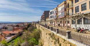 阿斯托加老城市墙壁的全景  图库摄影