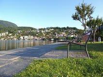 阿斯科纳旅行城市在瑞士,公园和秀丽马焦雷湖看法  免版税库存照片